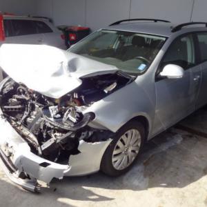 VW Golf 6 Kombi 2011 1.6 TDI nur für Ersatzteile