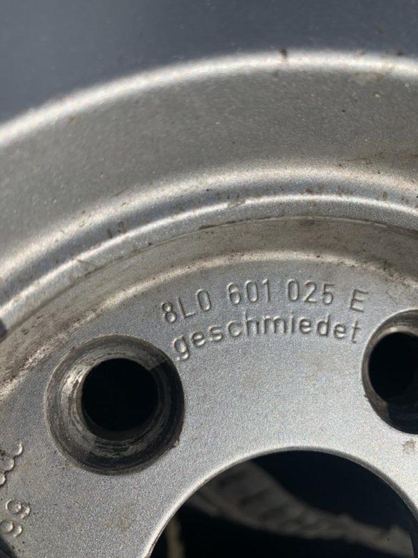 Komplett Rad Alufelgen 15 Zoll Audi A3 8L 4stk.